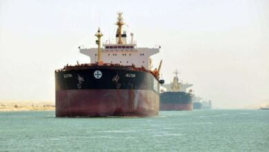 صورة الحكومة تنفى تراجع أعداد السفن المارة بقناة السويس بنسبة 50%