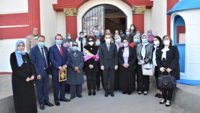 صورة محافظ الغربية في لقائه بأعضاء المجلس القومي للمرأة يكرم 39 قيادة نسائية بالغربية