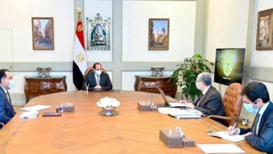 """صورة الرئيس يطلع على مخطط تطوير البنية الأساسية للكهرباء في إطار المشروع القومي لتطوير قرى الريف المصري"""""""