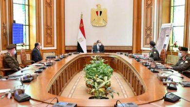 """صورة الرئيس يتابع مخططات تطوير منطقة الكيلو """"4,5"""" بشرق القاهرة والتي تضم عزبة الهجانة"""