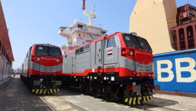 صورة وزارة النقل: وصول آخر 10 جرارات أمريكية جديدة ضمن صفقة تصنيع وتوريد 110 جرار سكة حديد جديدة الى ميناء الإسكندرية