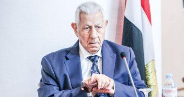 صورة الرئيس السيسى يوفد مندوبا لتشييع جثمان الكاتب الصحفى مكرم محمد أحمد